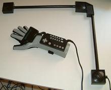 220px-Power_Glove_2
