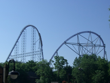 Millennium_Force_(Cedar_Point)_06